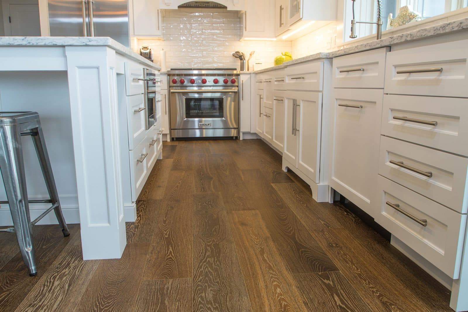 Esplanade Floors installed in the Bay Side Beach House Kitchen with Wolf Oven Range