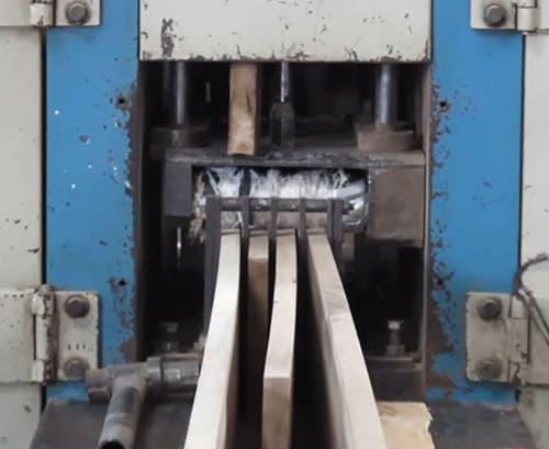 Building Structured Flooring, Sawyer Mason Wide Plank Flooring - Face Veneer Cutting