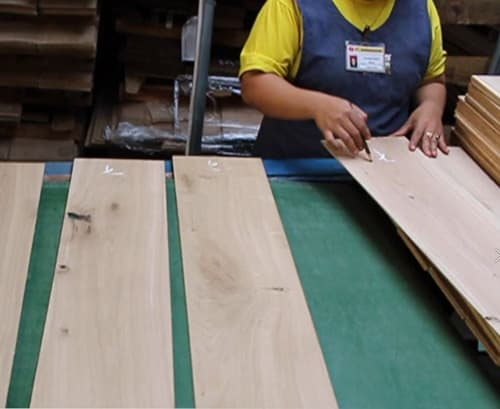 Building Structured Flooring, Sawyer Mason Wide Plank Flooring - Face Veneer Grading & Inspection